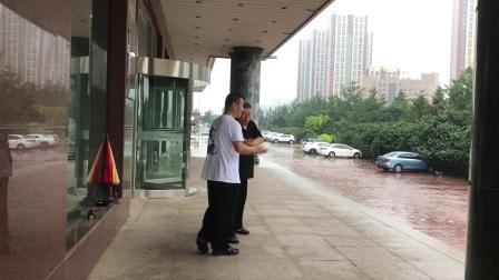 问道太极惟以推手之四李宝余(黑衣)、邰国义阜新市太极拳协会副主席兼推手总教练