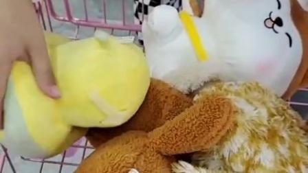 刘王楚楚已经抓了四个娃娃了。。