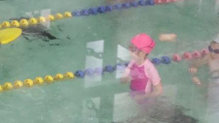 刘王楚楚游泳课第七课之1