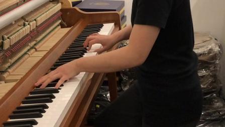 樊贝婷上海练钢琴