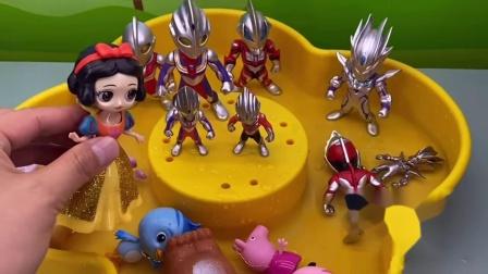 小玩具:奥特曼的泳池有多大呢?