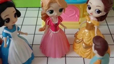 童年趣事:公主们都想要什么礼物呢