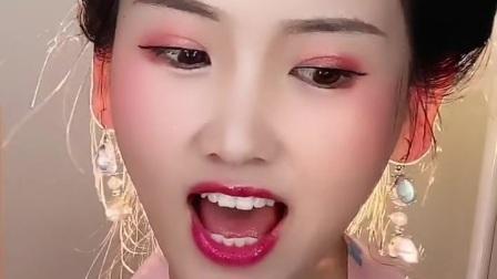 小美女唱的这首《一代女皇》好听吗