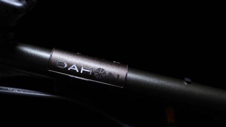 DAHON大行折叠车2021新品HAC653金色细闪复古自行车形象片