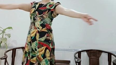 优美三步舞《听到花儿就想家》