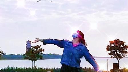 很长一段时间我没有上传过我自己的视频了~昨天和朋友去鸣翠湖玩耍,突然来了兴致拍了一段视频,给大家分享一下吧!