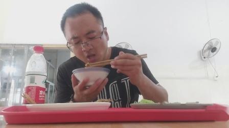 沈家.菜饭馆 吃点 红烧玉鲳鱼 韭菜炒虾米 莴笋炒香肠 水哈哈 家的味道 情意浓 香啊!