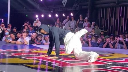 街舞bboy之间的比赛对决超强实力选手