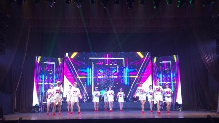 金清鸿运乐园曳舞队 慈善晚会演出《纵横天下》曳步舞12人变队形