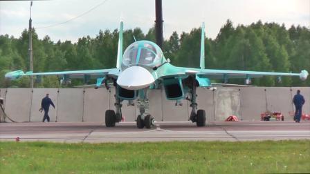俄中央军区战机于车里雅宾斯克地区进行空中加油