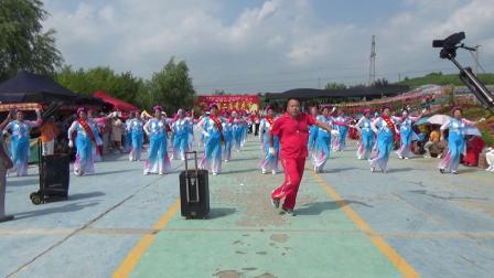 """2020庆""""八.一""""桦川桦悦广场健身秧歌队秧歌表演《野花香》"""