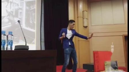 陈国坤 江西财经大学 明德讲堂 《我的功夫与影视世界》 讲座)双截棍
