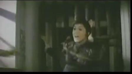 美女武侠被绳子捆绑也是谁也挡不了