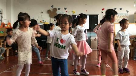 2018老港幼儿园中2班期末汇演