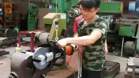 液压剪剪切铝棒