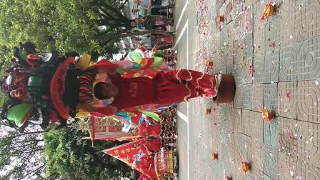 佛山张槎东鄱东便怡乐堂武术醒狮队,传统七星狮跳盆video_20180708_103954
