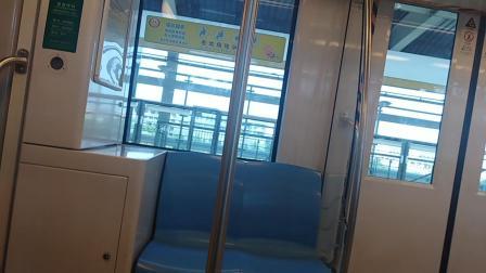 南京地铁一号线(0102)南京交院至中国药科大学站。