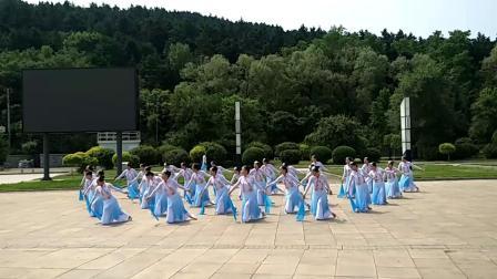 《风筝误》尚阳湖广场