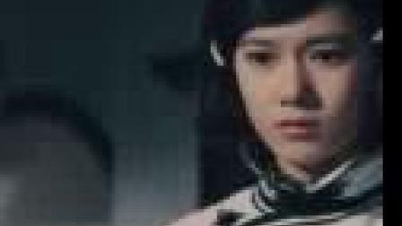 我在李小龙动作经典电影《精武门》国语中字高清。我们中国人, 不是东亚病夫。啊~打!截了一段小视频