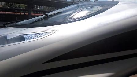 动车G854/1次(兰州西——武汉)秦都站1道停车