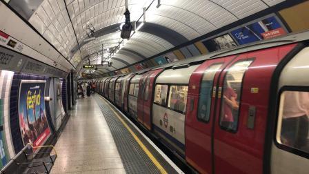 伦敦地铁银禧线 邦德街站 出站