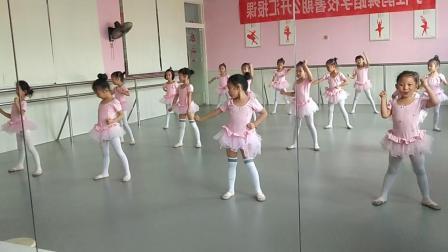 浏阳市小杜鹃舞蹈学校陈老师自编舞蹈《少林英雄》