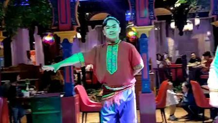 好听的新疆维吾尔族歌曲!👍酷男斗舞最美麦西来甫舞蹈纪实《制作漫步云端》