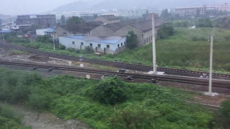 北仑线宝幢站(宁波轨道交通一号线列车上拍摄)