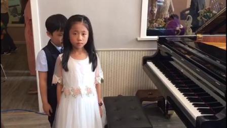 悦悦 哲哲 钢琴学了一周年啦