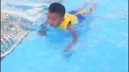 宝宝你在游泳?厦门方特