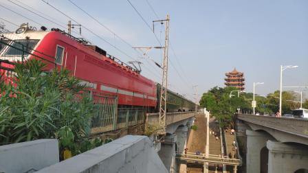 【京广武汉长江大桥】客车Z126(厦门--兰州)通过