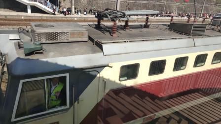 客车6065次安康-达州 紫阳站三道发车本务SS7C0011
