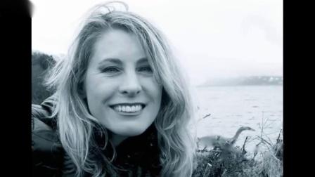 知名作家拍到「超清析的尼斯湖水怪照片!」_有字幕