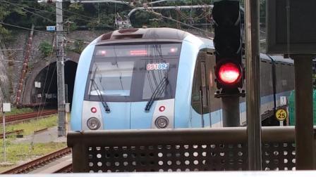 南京地铁一号线(091092)出安德门站。