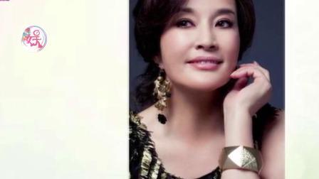 64岁刘晓庆近照 路人镜头下的她原来长这样