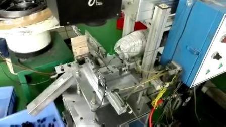 电子零件流水线激光打标