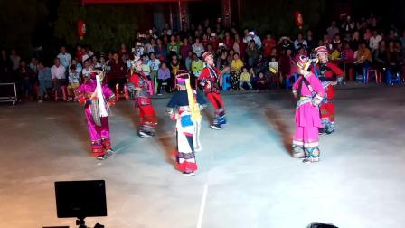 吴川市黄坡镇新店村八月十四年例(云南歌舞团)演出云南民族舞二0一六年