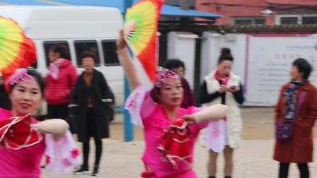 振安区2018广场舞比赛之五龙背玉龙健身舞蹈队参赛作品《第七套秧歌》片段