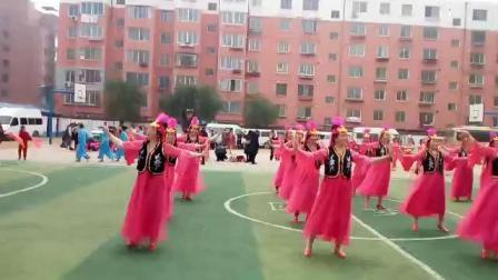 振安区2018广场舞比赛之五龙背新建玫瑰参赛作品广场舞《花儿为什么这样红》(手机拍摄版)
