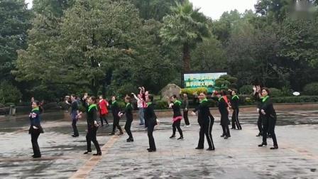 彩虹舞蹈队一老街