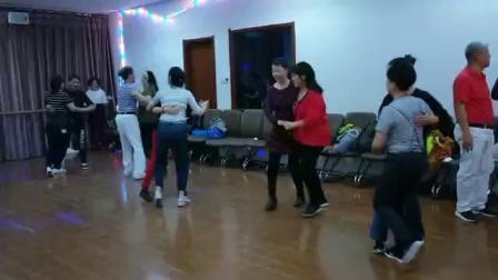 停泊学员天津聚舞集体舞