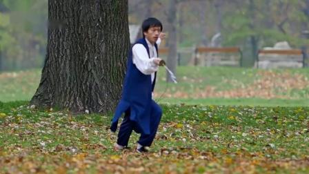 武当弟子练习秘传玄功刀,刀法尚需锤炼
