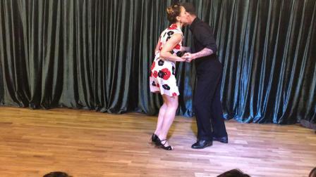 外国swing老师表演摇摆舞