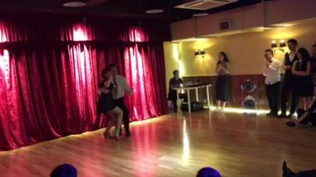 法国swing老师表演摇摆舞