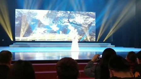 黄梅戏牛郎织女选段《路遇》表演者王刚  潘柠静
