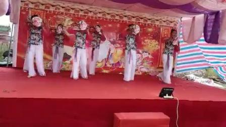 吴川市塘缀镇张屋村舞蹈队出队龙安村(壹百岁)寿星酒会(问月)二O一八年仲冬