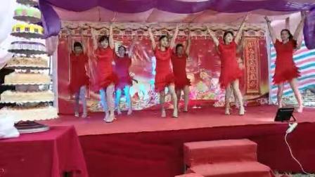 吴川市塘缀镇张屋村舞蹈队出队龙安村(壹百岁)寿星洒会(虾公米)二O一八年仲冬