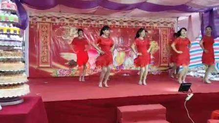 吴川市塘缀镇張屋村舞蹈队出队龙安村(壹百岁)寿星酒会二〇一八年仲冬