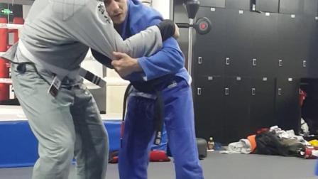 巴西柔术教练的柔道式摔倒