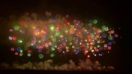 "4K. 2018年花火""鳳凰乱舞"" 全日本最牛的花火大会之一"